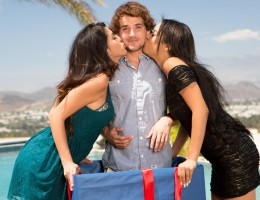 Bestfriends Maya and Sophia in hot threesome with Tyler