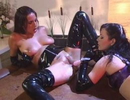 Pretty babe in latex gets her hot pussy and mouth fucked by dildo