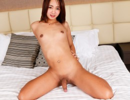 Pretty petite asian tranny makes her sweet dick cum