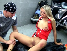 Video of 18yo Sabrina nailed in the bike garage