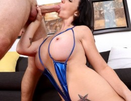 12 pics and 1 movie of Licious from Milf Hunter