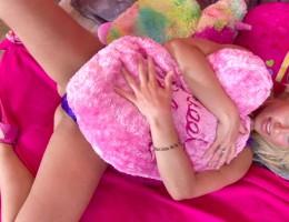 Anikka Albrite strips down in her teen style pink bedroom!