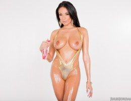 Anissa Kate Big Tit Perfect Slut Get\'s Wet To Fuck