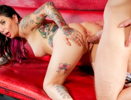 Bill Bailey fucks Joanna Angel\'s brains out in strip club.