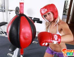 Wild blond girl Sabrinka boxing naked!