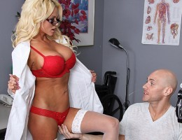 Nikita, a sexy optometrist, is crushing hard on one of her clients. When she learns he\\\\s coming in for an eye exam, she decides to fuck with him a little - until he actually fucks her.