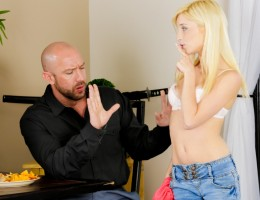 Piper Perri is a bad babysitter but compensates w/ good sex