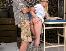 Military Doc Lola Taylor Rides A Thick Rod With Her Heinie