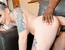 Tattooed Jewish babe Rizzo Ford enjoys her black bf's cock