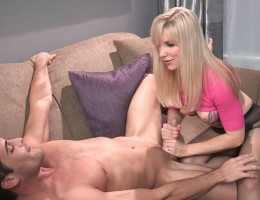 Kinky blonde Ashley Fires gives the best tug jobs ever !