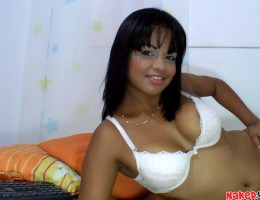 Horny peruvian babe stips on her cam masterbating right now