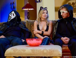 Zoey Monroe and her boyfriend decide to attend Michael Vegas Halloween party. But when Zoey and her boyfriend arrive, theyre the only guests at the party! Feeling horny as fuck in her sexy kitten costume, Zoey is in for a trick and treat this Hallowee