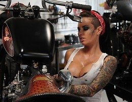 Christy Mack is one of the best motorcycle mechanics in the world. The only thing she does better than fixing bike, is fucking cocks. So when Johnny comes in with his beautiful chopper and hard dick, Christy is compelled to show him just how well she hand
