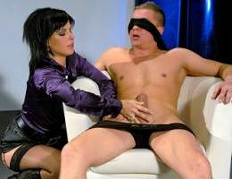 A dude with a blindfold pleasured by sexy hottie hardcore